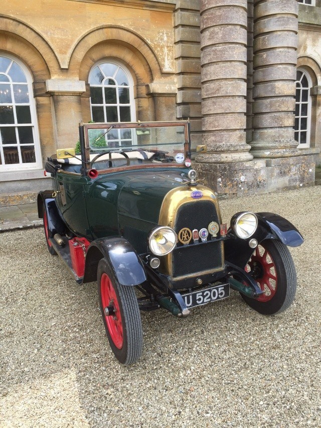 Classic Vehicles and Vintage Cars for Hire : VintageCars.Co.UK